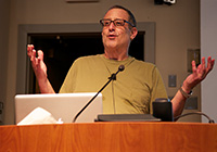 Bob LeVitus at the May 2012 PMUG meeting -- Photo by Michael Blank